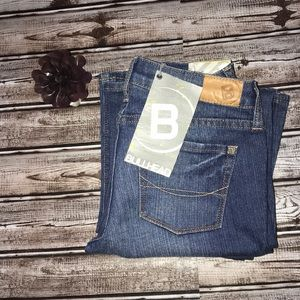 NWT Bullhead Newport Skinny Flare Short Jeans
